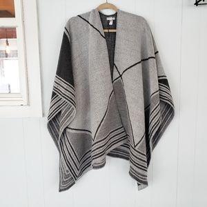 Anne Klein One Size Sleevless Wrap Sweater